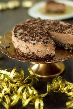 Suklaamoussekakku - Sweet Food O´Mine Sweet Recipes, Sweets, Baking, Desserts, Food, Drinks, Kitchen, Deserts, Tailgate Desserts