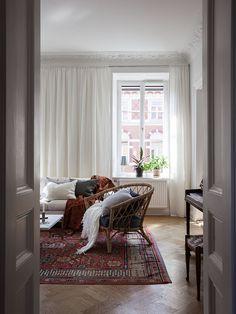 Historiska hem Cozy Living Rooms, Living Area, Living Spaces, Living Room Inspiration, Interior Inspiration, Home Interior, Interior Design, Sweet Home Alabama, Dream Decor