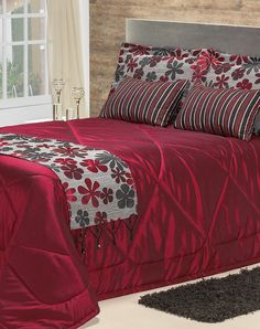 This Pin was discovered by Mam Couch Pillow Covers, Bed Covers, Duvet Cover Sets, Bed Cover Design, Bed Design, Bed Sets, Home Design, Luxury Bedspreads, Luxury Duvet Covers