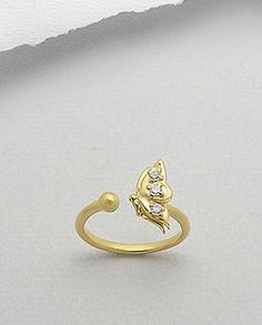 Inel argint aurit - zirconiu - flutureInel interesant, realizat din argint 925 placat cu aur galben de 14k si decorat cu zirconiu alb. Design: fluture. Latime maxima: 12 mm. Greutate: 2,1 gr. Ajustabil pentru masurile 5 si 6 (SUA). Aur, Gold Rings, Jewels, Design, Bijoux, Gemstones, Jewerly, Gems, Fine Jewelry