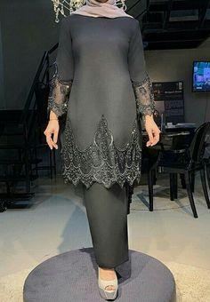 Muslimah Wedding Dress, Hijab Bride, Wedding Hijab, Wedding Dresses, Gala Dresses, Modest Dresses, Malay Wedding Dress, New Hijab, Traditional Thai Clothing