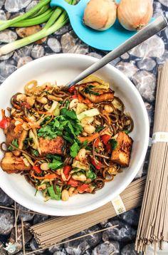 Rezept für asiatische Gemüsepfanne mit Soba-Buchweizennudeln