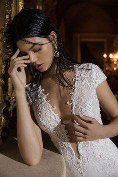 The FashionBrides is the largest online directory dedicated to bridal designers and wedding gowns. Find the gown you always dreamed for a fairy tale wedding. Wedding Gowns With Sleeves, 2015 Wedding Dresses, Long Sleeve Wedding, Prom Party Dresses, Bridal Dresses, Berta Bridal, Bridal Collection, Bridal Style, Marie