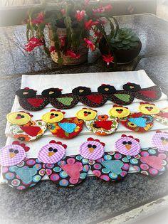 Rows of cute chickens appliqued to tea towel (?)  PaNoS De PrAtO GaLiNhAs
