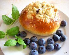 Bułeczki borówczanki | Smaczna Pyza Hamburger, Rolls, Pudding, Bread, Pizza, Food, Meal, Bread Rolls, Brot
