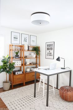 You won't mind obtaining job done with a home office like among these. Discover motivation for your home office design with ideas for style, storage space and furniture. Home Office Space, Home Office Design, Home Office Furniture, Home Office Decor, Office Designs, Furniture Ideas, Cheap Furniture, At Home Office Ideas, Cheap Home Office