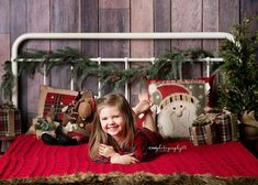 ****** HEADBOARD AND GARLAND ARE INCLUDED. DESIGN WILL BE PRINTED AS SHOWN IN THE 2ND, 3RD AND 4TH IMAGE (DEPENDING ON SIZE ORDERED)********* Create a beautiful rustic Christmas set up with the Rustic Headboard photography backdrop! ! Available in poly paper or canvas. Images shown (in
