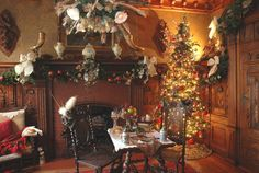 Pabst Mansion during the holidays