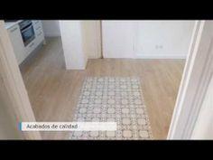 Reforma integral realizada en una vivienda de la calle Bailén de Barcelona. En ella destacan los modernos acabados y el mantener de elementos originales como las puertas y el suelo hidráulico. #reformas #Barcelona #design