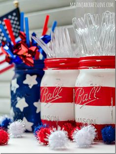 Stars & Stripes Mason Jars | Mason Jar Crafts LoveMason Jar Crafts Love