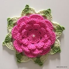 Flor Rosa rasteira passo a passo (121) Crochet Flower Tutorial, Crochet Diy, Crochet Flower Patterns, Thread Crochet, Love Crochet, Irish Crochet, Crochet Motif, Crochet Designs, Crochet Crafts