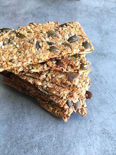 Granola Sans Gluten, Low Calorie Granola, Keto Granola, Chewy Granola Bars, Candida Recipes, Raw Food Recipes, Sweet Recipes, Healthy Crackers, Healthy Snacks