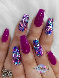 There are three kinds of fake nails which all come from the family of plastics. Acrylic nails are a liquid and powder mix. They are mixed in front of you and then they are brushed onto your nails and shaped. These nails are air dried. Sparkly Nails, Fancy Nails, Cute Nails, Pretty Nails, Purple Glitter Nails, Glitter Nail Art, Glitter Nail Designs, Chunky Glitter Nails, Pink Nail Art
