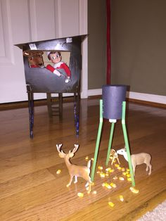 Elf on the Shelf hunting Elf In The Shelf, Elf On Shelf Funny, Shelf Elf, Awesome Elf On The Shelf Ideas, Naughty Elf, Family Christmas, Christmas Elf, Christmas Things, Country Christmas