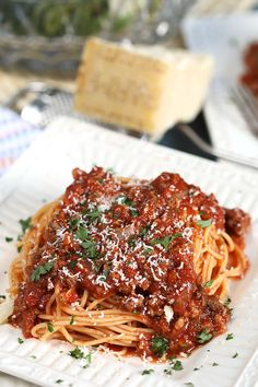 Ready in just 30 minutes, this quick and Easy Italian Meat Sauce has all the slow cooked flavor of your favorite Sunday sauce but it's fast enough for a weeknight dinner. Freezer friendly, too! Italian Meat Sauce, Italian Meats, Sweet Italian Sausage, Italian Dishes, Italian Seasoning, Meat Sauce Recipes, Pasta Recipes, Beef Recipes, Cooking Recipes