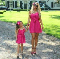 Cute pink matching dresses for mother and daughter Mother Daughter Matching Outfits, Mother Daughter Fashion, Mommy And Me Outfits, Mom Daughter, Girl Outfits, Mother Daughters, Mother Son, Summer Outfits, Summer Dresses