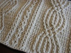 """""""I am looking for this pattern, anyone know where I can find it?"""" From the previous pinner and I'd be interested too if someone finds it."""