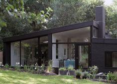 Non loin de Londres, dans un paysage verdoyant anglais, les architectes Takero Shimazaki et Charlie Luxton ont rénové une maison…