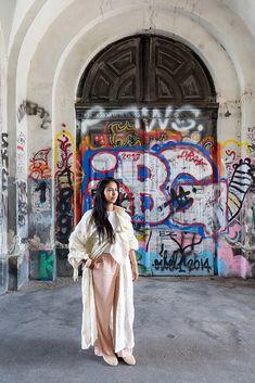 Style Notes – Design & Technologie – Schweizer Blog über Fashion, Lifestyle und Gadgets   Maria Lorez: Knallig wohnen Gadgets, Chic, Girls, Blog, Design, Technology, Culture Shock, Nice Apartments, Swiss Guard