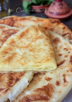 Naan, Easy Healthy Recipes, Easy Meals, Food Network Recipes, Cooking Recipes, Algerian Recipes, Algerian Food, Crepes And Waffles, Ramadan Recipes