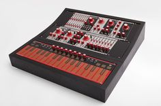 You know you're at peak modular when Moog is reissuing 1970s synths for US$30,000. It wasn't long ago that people were relegating modular synths to closets, selling them off, and even – really – throwing them in dumpsters. Now, the once-archaic racks of synthesizers connected with patch cords are suddenly cool. Moog rockstar chic aside, the trend is mainly driven by Eurorack, a format introduced years ago by Doepfer that has made it easier to manufacture and buy interchangeable rigs. Moog…