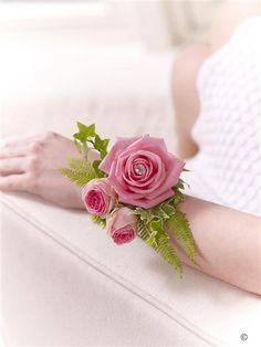 Pink Rose and Fern Wrist Corsage. The vintage style of this classic pink rose has an effortless beauty that never dates. For this pretty wrist corsage we've added light green, delicate foliage and a sparkling diamante pin. Bright Flowers, Pink Flowers, Wedding Coursage, Online Flower Shop, Vintage Wedding Flowers, Wrist Corsage, Outdoor Weddings, Corsages, Bridal Bouquets