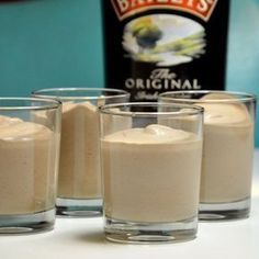This Baileys mousse is an incredibly great dessert - assuming you like . - Dessert Rezepte - Dessert im Glas und mehr - Dessert Mousse Dessert, Baileys Dessert, Tiramisu Dessert, Creme Dessert, Great Desserts, No Bake Desserts, Bailey Mousse, Tolle Desserts, Thermomix Desserts