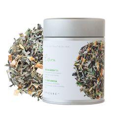 THÉ VERT SENCHA CITRON : Tombez en amour avec votre thé! Prenez un virage vert et vivifiez votre esprit avec un doux arôme citronné et des saveurs revitalisantes. Le thé vert est une excellente source d'antioxydants et se sirote toute la journée, car il a une faible teneur en caféine. Également délicieux sur glace.