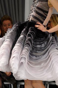 christian dior haute couture spring 2012 um, no, Christian. Dior Haute Couture, Couture Christian Dior, Style Couture, Couture Details, Couture Fashion, Runway Fashion, Fashion Show, Fashion Details, Dior Fashion