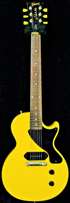 Learn to Play Guitar Notes - Play Guitar Tips Guitar Shop, Cool Guitar, Gibson Les Paul Jr, Guitar Notes, Les Paul Guitars, Learn To Play Guitar, Guitar Collection, Guitar For Beginners, Gibson Guitars