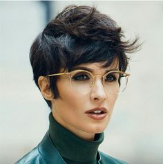 This look is money - Short Hair Haircuts For Fine Hair, Pixie Hairstyles, Cool Hairstyles, Short Hair Dont Care, Short Hair Cuts, Dye My Hair, New Hair, Androgynous Hair, Pelo Pixie