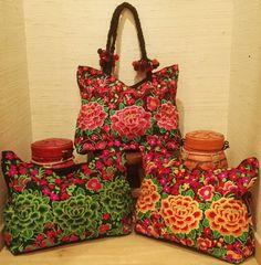 Quoi de mieux qu'un joli sac coloré et fleuri pour célébrer l'arrivée du printemps. Laissez-vous tenter.