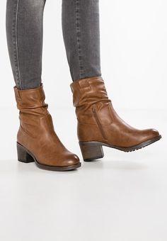 a93ac6e2a573c5 WIDE FIT KLARISSA - Cowboy/biker ankle boot - tan @ Zalando.co.uk 🛒