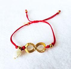 Weekly Bracelet,Red Bracelet, Adjustable Bracelet, Thread Bracelet, Girl Bracelet, Women Bracelet, Gift Birthday, Infinite Bracelet de ByHS en Etsy Thread Bracelets, Adjustable Bracelet, Beading Tutorials, Friendship Bracelets, Jewerly, Birthday Gifts, Beads, Infinite, Handmade