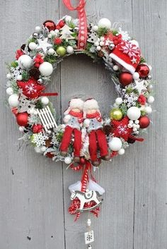 23 astonishing christmas wreath ideas to welcome your guest 7 ~ Top Design Christmas Wonderland, Magical Christmas, Winter Christmas, Handmade Christmas, Christmas Time, Christmas Crafts, Christmas Ornaments, Outdoor Christmas, Christmas Christmas