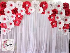 Paper Flower Backdrop, Paper Flowers, Mother's Day Background, Backdrops, Ceiling Lights, Amazing, Party, Instagram, Decor