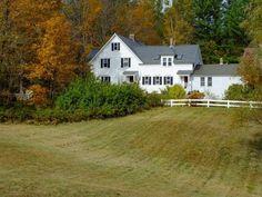 Farmhouse in Maine