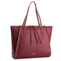 96feafc0c6af 11 immagini popolari di Bags | Beige tote bags, Side purses e ...
