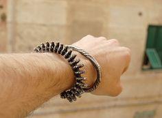 Clap Bracelet (2010, IT)...