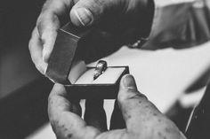 15 Ravishing - Magnificent Wedding Photography Ideas : Tantalizing wedding photography 1984 Source b Silver Wedding Rings, Wedding Ring Bands, Silver Rings, Wedding Gold, Wedding Photography Poses, Photography Ideas, Jewellery Advertising, Fantasy Makeup, Color Ring