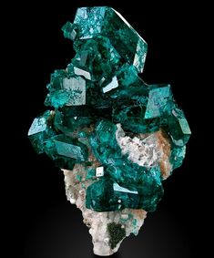 Amazing Geologist Crystals Minerals, Rocks And Minerals, Stones And Crystals, Honey Calcite, Aquamarine Crystal, Wonderful Picture, Crystal Cluster, Crown Jewels, Green Colors