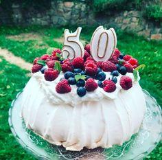 Pavlova, Cheesecake, Food, Bakken, Cheesecakes, Essen, Meals, Yemek, Cherry Cheesecake Shooters