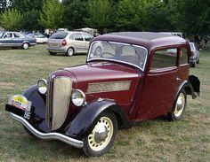 Ce premier modèle, baptisé LR4, installe la marque Rosengart comme producteur de petites voitures économiques et fiables