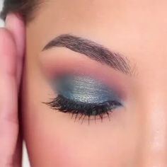 #EyelinerForBeginners Glam Makeup, Purple Makeup, Beauty Makeup, Makeup With Blue Dress, Glamorous Makeup, Gorgeous Makeup, Makeup Geek, Bridal Makeup, Wedding Makeup