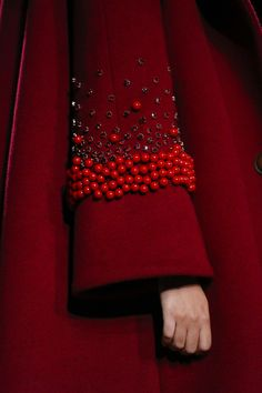 Red beaded bell sleeves on coat by Flynow Ready To Wear Spring Summer 2016 Bangkok Couture Fashion, Diy Fashion, Ideias Fashion, Fashion Dresses, Abaya Fashion, Unique Fashion, Fashion Clothes, Fashion News, Womens Fashion