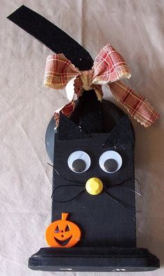 Next stop: A Touch of Ozarks Wood Crafts Page Wooden Halloween Black Cat Table Decoration