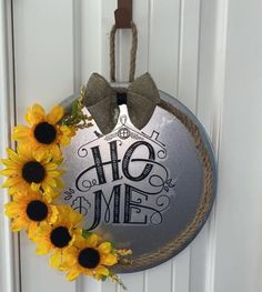 Pizza Pan, Dollar Tree Crafts, Door Wreaths, Diy Projects, Signs, Home Decor, Homemade Home Decor, Novelty Signs, Sign