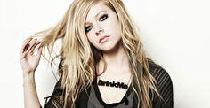 'Sto male, pregate per me', così Avril Lavigne getta nel panico i suoi fan | RadioWebItalia.it – Notizie Musicali e Radio Online |