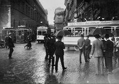 Piazza Venezia (1924) Nuovi Autobus elettrici della VAI (Vetture Autoelettriche Italiane).