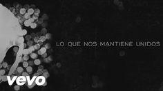 Amaral - Lo Que Nos Mantiene Unidos (Lyric Video)